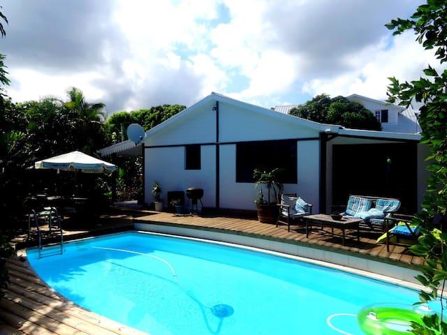 Esprit d'aventure bungalow - Plateau-Caillou - House