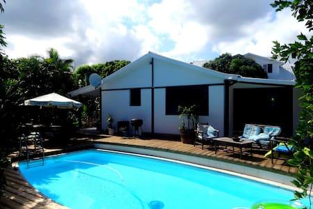 Esprit d'aventure bungalow - Plateau-Caillou