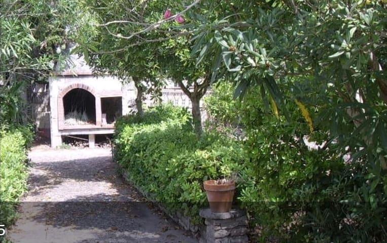Villetta rustica a 1 km da mare, immersi nel verde - San Foca - Hus