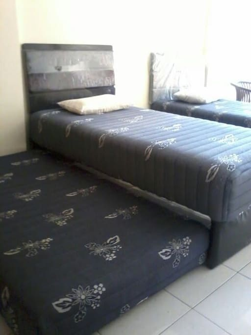 comfortable room with spring bed single