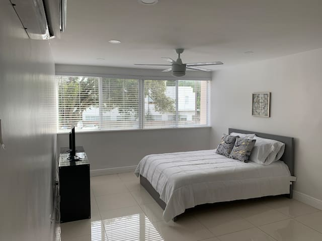Centrally Located Studio Fully equipped Miami
