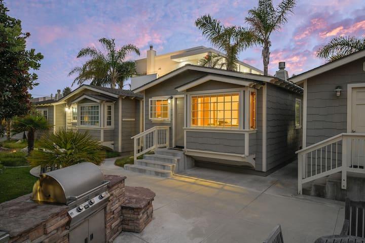 Cottage B 1/2 block to  Beach-