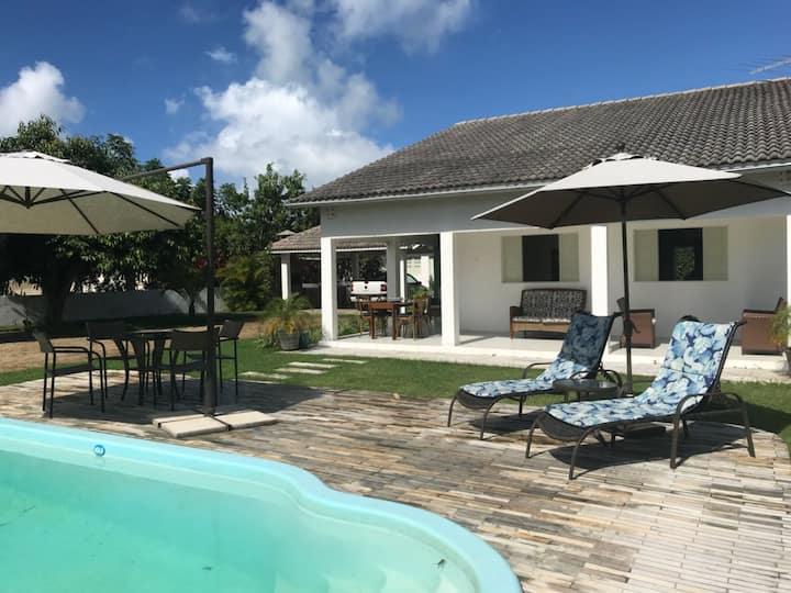 Serrambi - 4 quartos com piscina e churrasqueira
