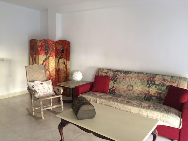 ACOGEDOR DÚPLEX CON VISTAS A LAS MONTAÑAS - Oliana - Appartement