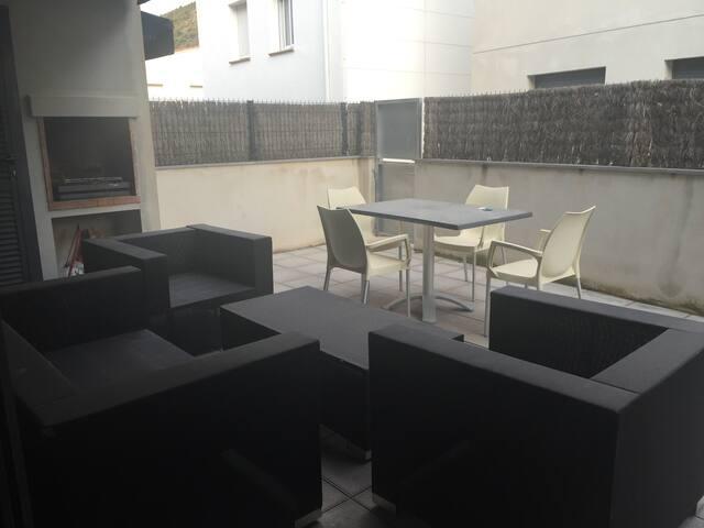 Apartamento nuevo en Colera a 2 min de la playa - Colera - Apartment