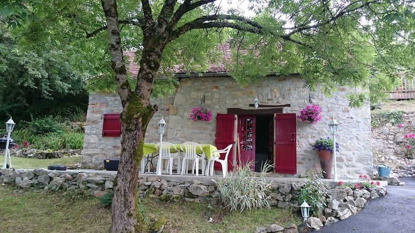 Maison de pierre  au pied de Loubressac - Loubressac - Casa
