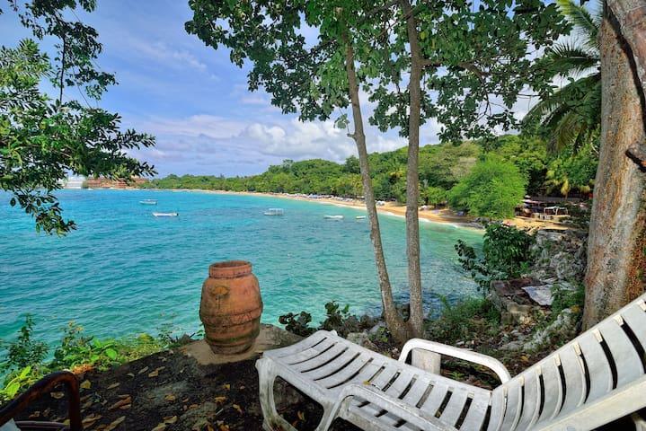 Auténtica vida Dominicana al borde del mar 2