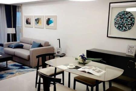 舒适豪华看海的酒店式公寓,近地铁站 - Shenzhen