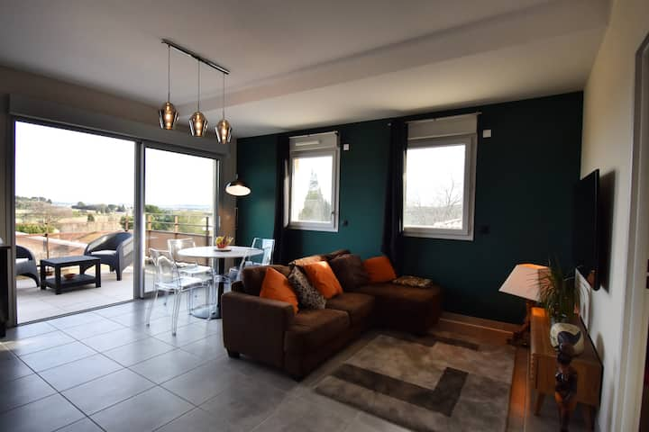 Apartment in heart of the village with superb view