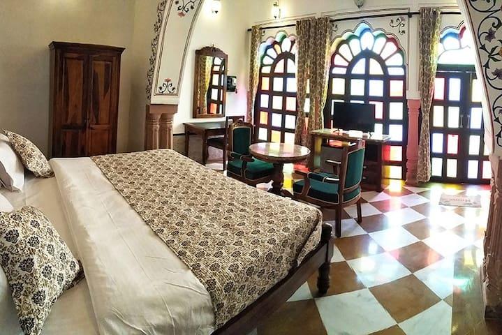 Heritage Haveli Near Abhaneri