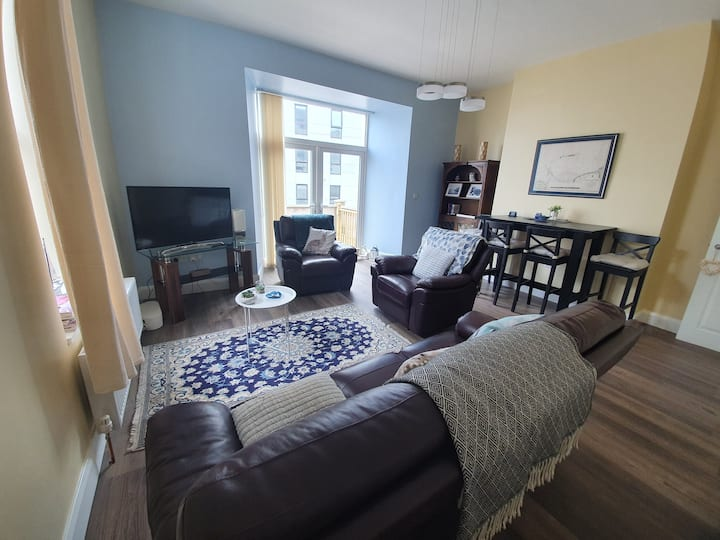 Town center ground floor apartment with patio