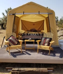 OFF GRID!!  Stagecoach Glamping Site at Wits End