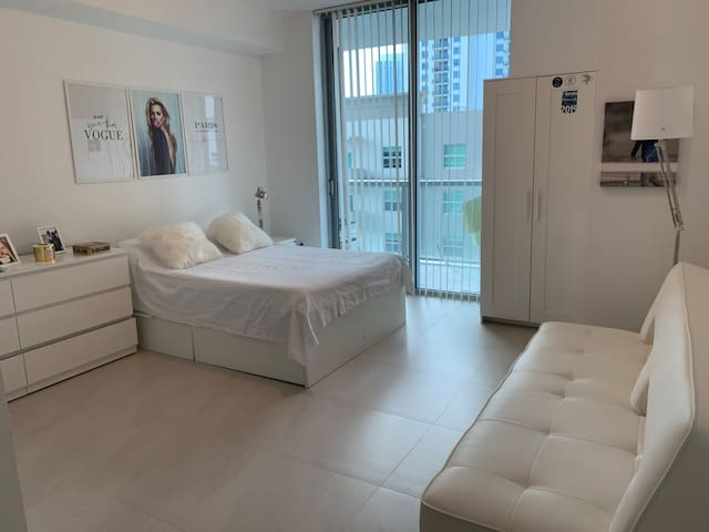 Luxury building in the heart of Brickell