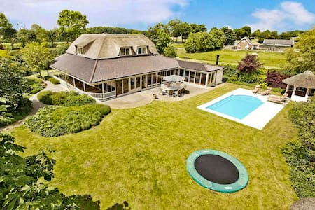 Country family villa with heated pool