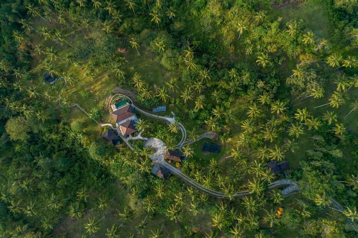 Spectacular ocean view property in Balian Bali