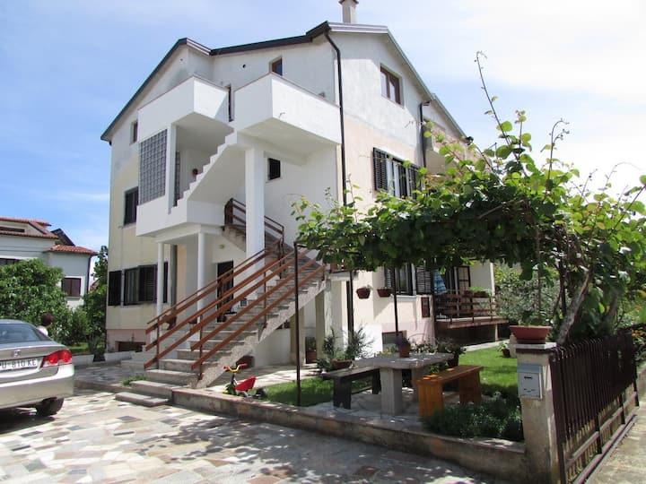 MIRELA house with apartment