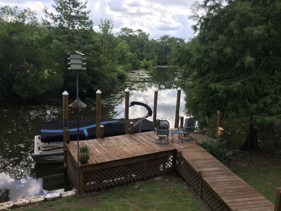 Bring your own boat and tie up at our dock.  Pontoon boat rides available to The Tchefuncte River for swimming and/ or joy riding.  There is a rope swing and swimming hole called Brady's Swimming Hole.  We will provide the noodles and life jackets.  Dennis will bring you there for $50.00/hour and wait for you as long as you like.