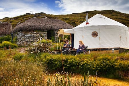 Lickisto Blackhouse Yurts - Isle of Harris
