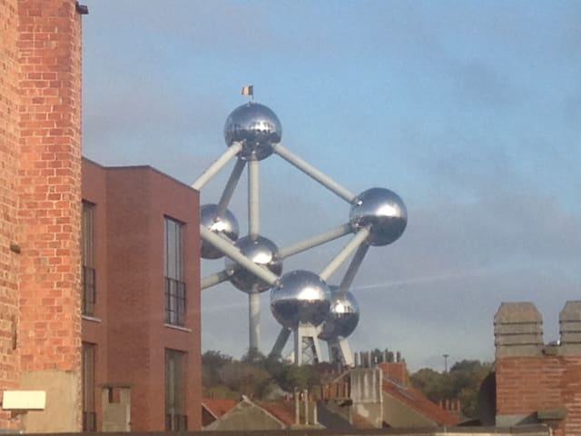 5min for atomium 10min for expo 15min for centrum