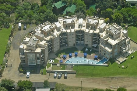 Apart duplex con serv y recreación - Mar Azul - Condomínio