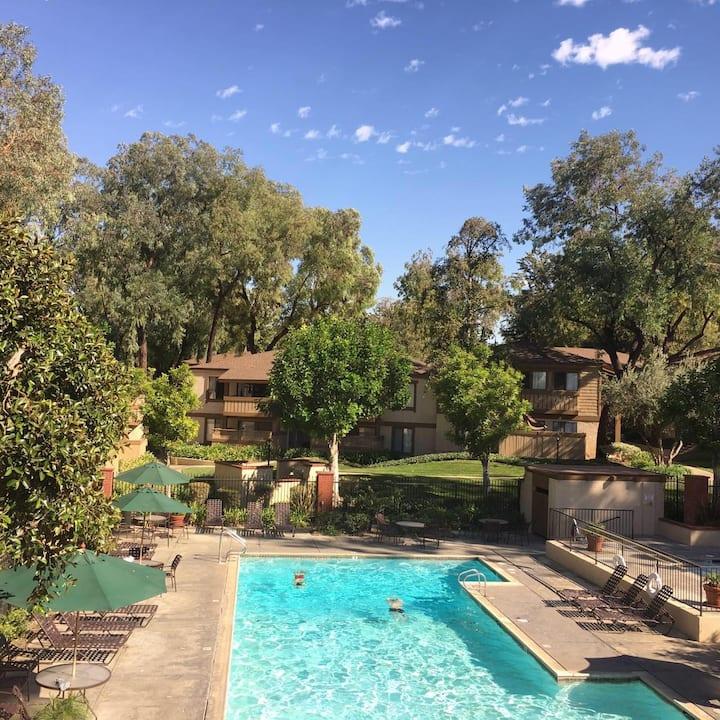 罗兰岗孔雀园优雅舒适位置绝佳两室两卫低价出租