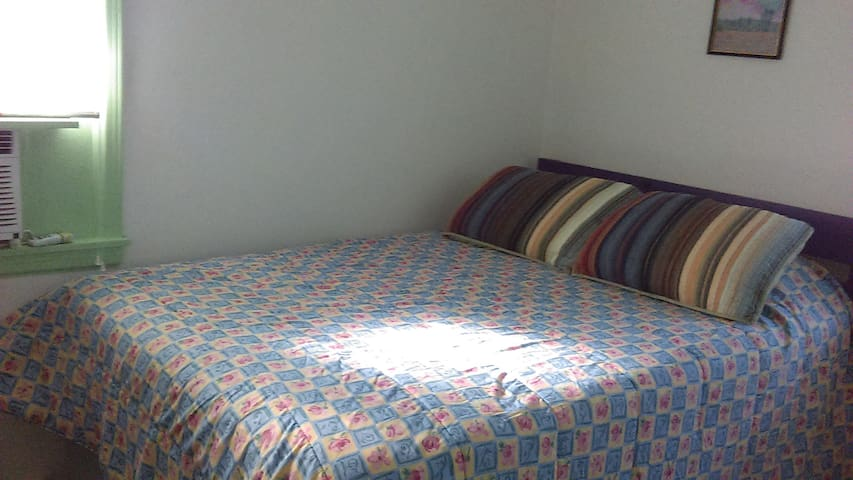 Bright & Clean B&B - make yourself @ home! - Pensacola - Bed & Breakfast
