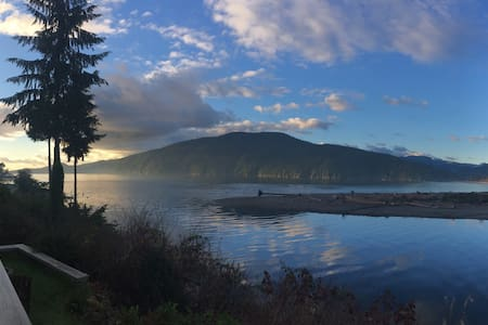 Stunning Oceanside Cottage #1 - Best View in BC