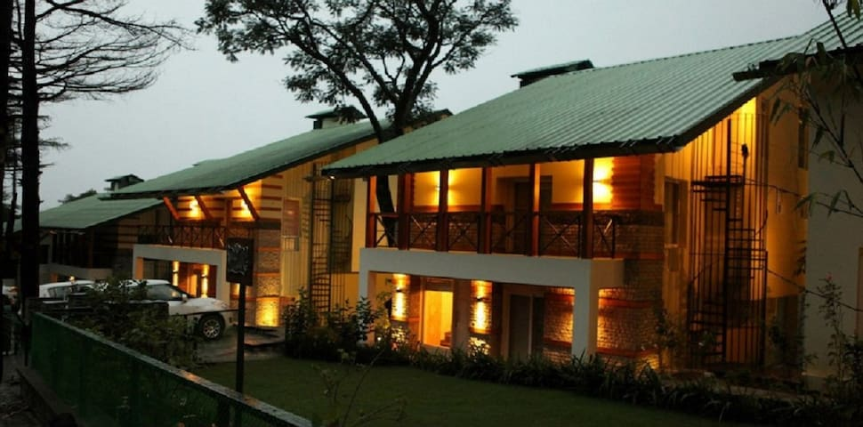 Luxurious room in a Villa in Palampur