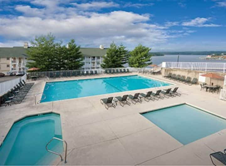 2BR WorldMark Resort Condo at Lake of the Ozarks