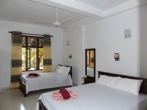 Deluxe Family Room in Eco Villa - Sinharaja