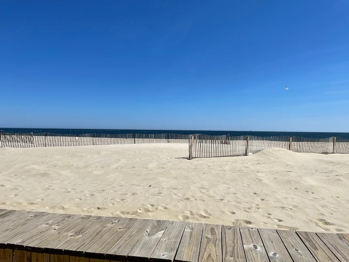Condo near the beach perfect for family vacations!