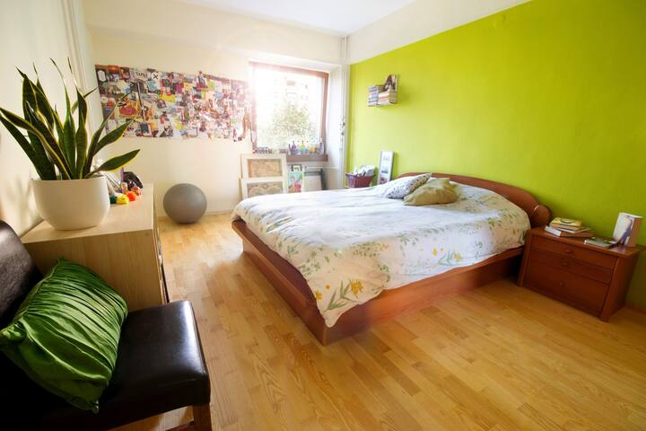Travelers choice:Spacious room with great location