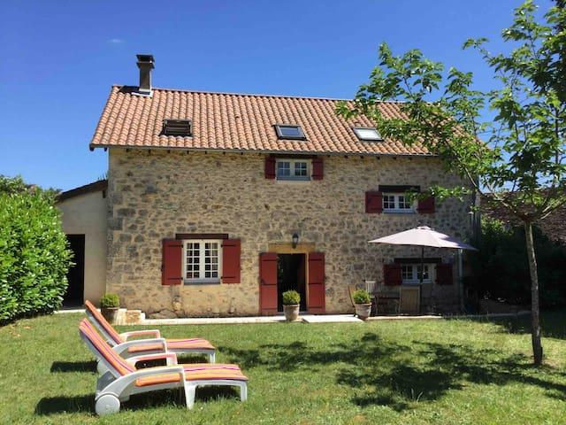 Charmante maison indépendante en Dordogne