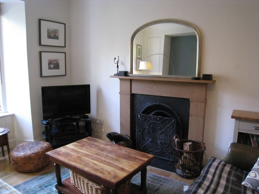 Open fire for cosy nights - logs supplied