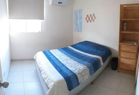 Habitación azul • sanitizado •