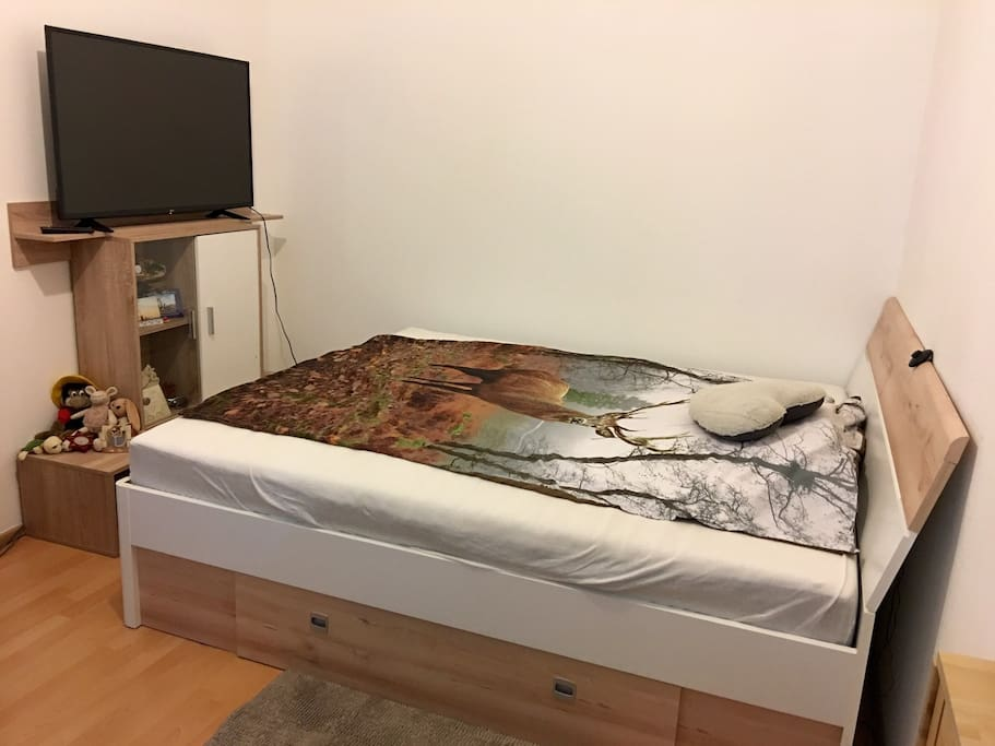King Size bed (180x200) with led light