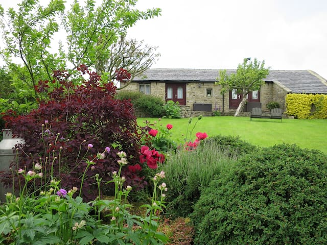 The Old Dairy Cottage nr Harrogate - Timble - Huis