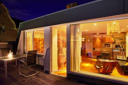 Penthouse mit Terrasse und Blick - Lübeck