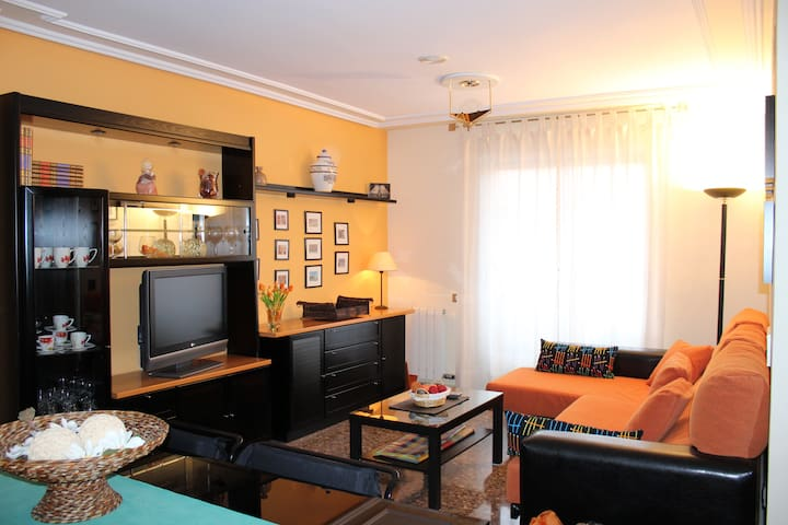 PISO uso turistico. Ideal familias - Teruel - Appartement