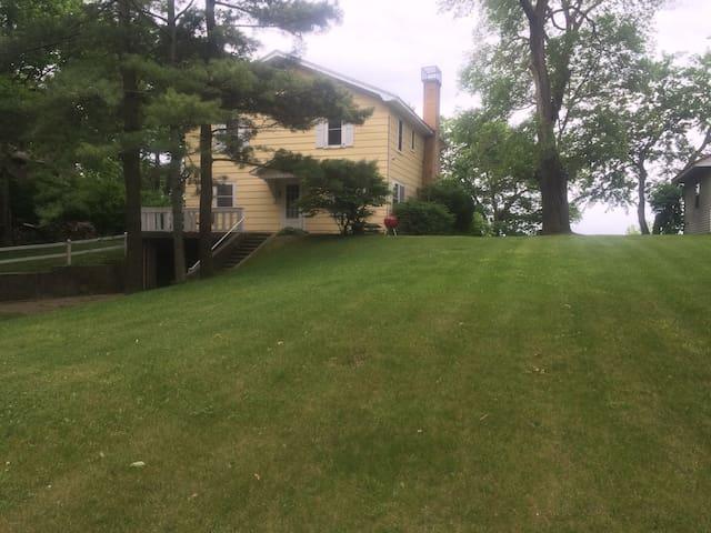 Knotty Pine Cottage - Au Gres - Maison