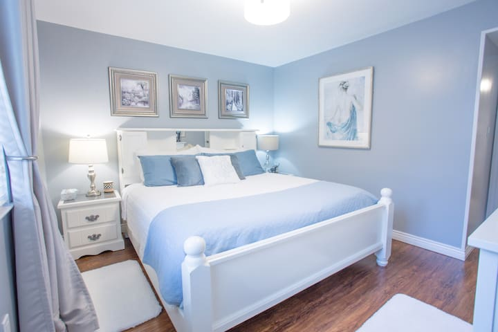 3 Cozy Blue Bedroom Suite
