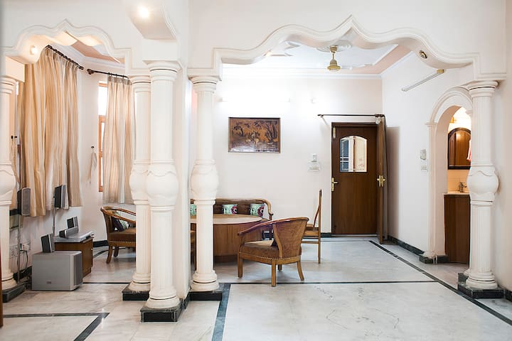Nice Place in Vasundhara - Ghaziabad - Apartament