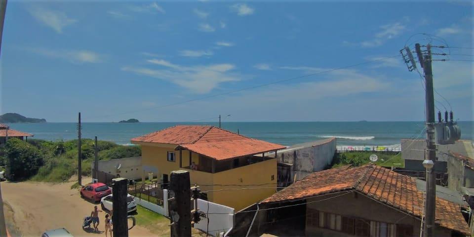 Casa 3 andares de frente para o mar