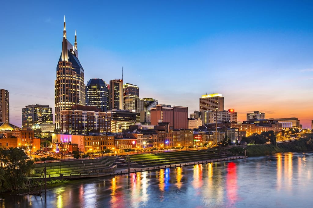 Come experience downtown Nashville from our beautiful Brownstone