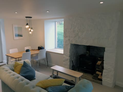 Cosy Miner's Cottage