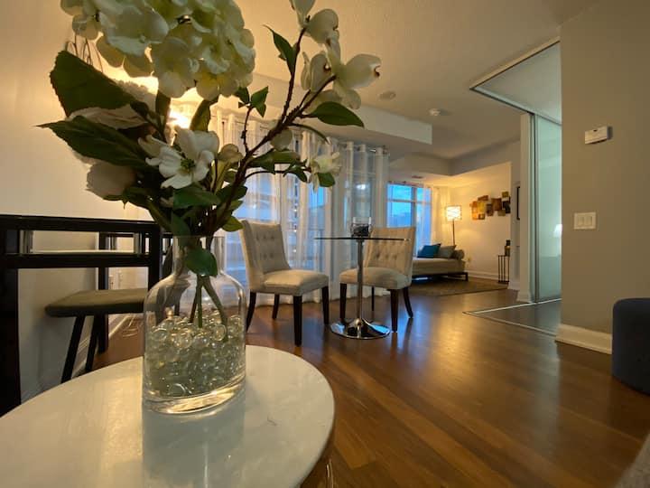 Toronto furnished midtown condo