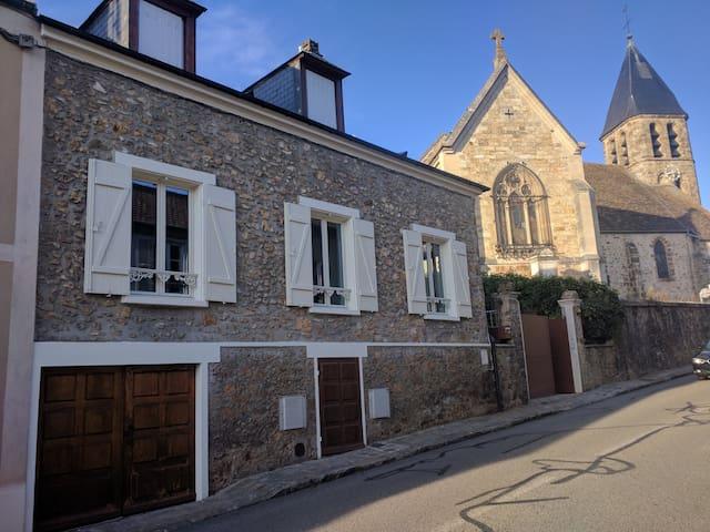 Charmante maison dans village historique