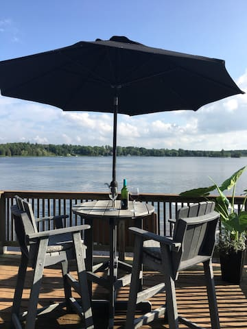 Puslinch Lake Boat House - A Waterfront Gem