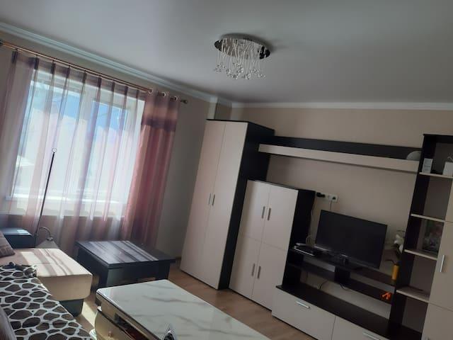 2-комнатная со всеми удобствами в центре города