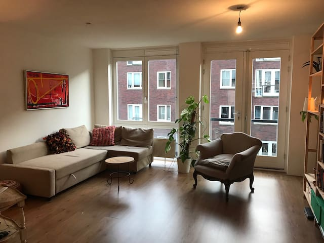 Spacious apartment nearby centre of Rotterdam